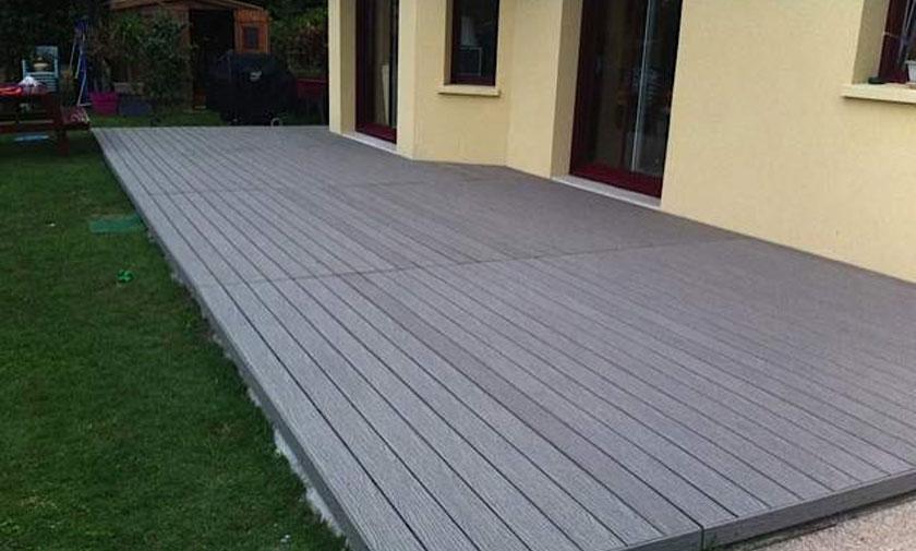 Terrasse extérieure en composite